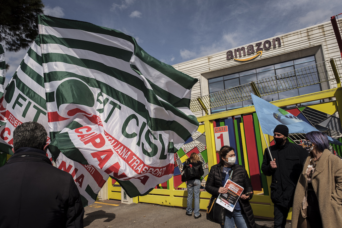 People outside amazon office protesting