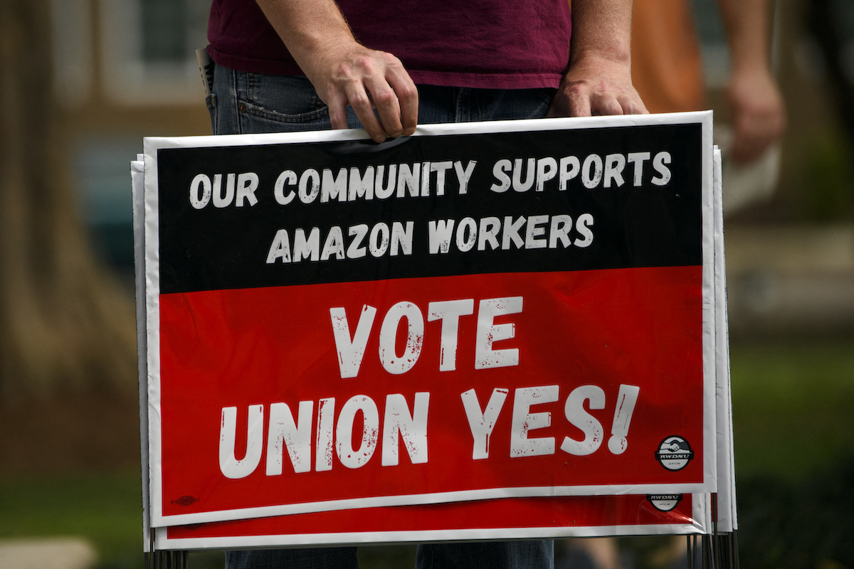 Sign saying Our community supports amazon workers vote union yes